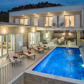 Urlaub in Kroatien: 8 Tage in Design-Luxusvilla mit Infinity-Pool & Meerblick ab 223€ p.P.