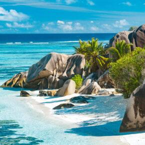 Traumurlaub auf den Seychellen: 14 Tage in 4* Strandvilla mit All Inclusive, Flug, Transfer & Zug für 3.719€