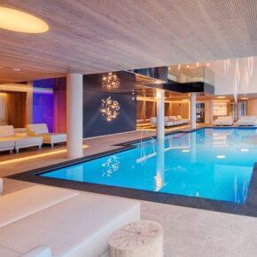 Luxuriöser Südtirol-Kurztrip: 3 Tage Relaxen im TOP 4* Wellnessresort mit All Inclusive & Extras ab 298€