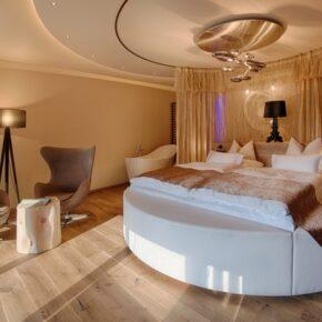 Amonti Romantic Suite