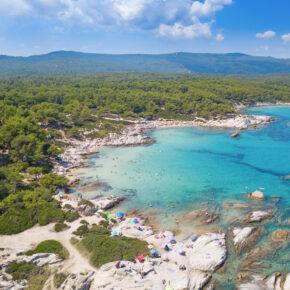 Griechenland: 6 Tage Chalkidiki im TOP 4* Hotel mit Meerblick, Halbpension, Wellness & Flug nur 222€