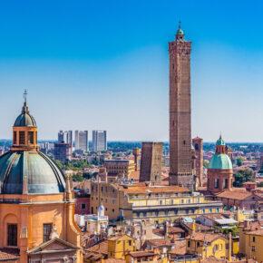 Frühlingsgefühle: Flüge nach Bologna für unglaubliche 3€