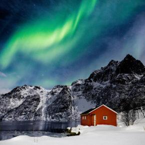 Norwegen Lofoten Polarlichter grün