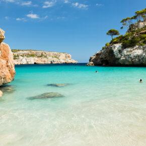 Frühbucher: 7 Tage Mallorca im 4* Hotel mit All Inclusive, Flug, Transfer & Zug für 394€
