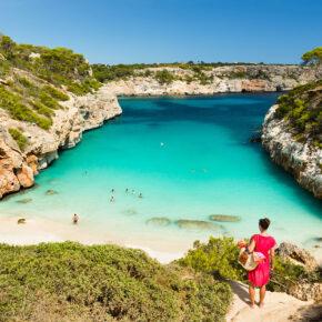 Single Mallorca: 7 Tage im 3* Strandhotel mit All Inclusive, Flug & Zug nur 358€