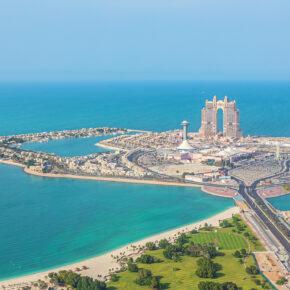 Sommerferien in Abu Dhabi: 7 Tage im TOP 4* Hotel mit Halbpension, Flug, Transfer & Zug nur 391€