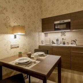 Hotelzimmer Küche
