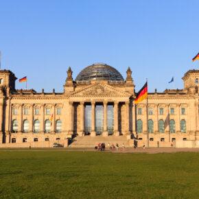 Kurztrip im Sommer: 2 Tage Berlin im TOP 4* Hotel inkl. Frühstück & Spa für 50€
