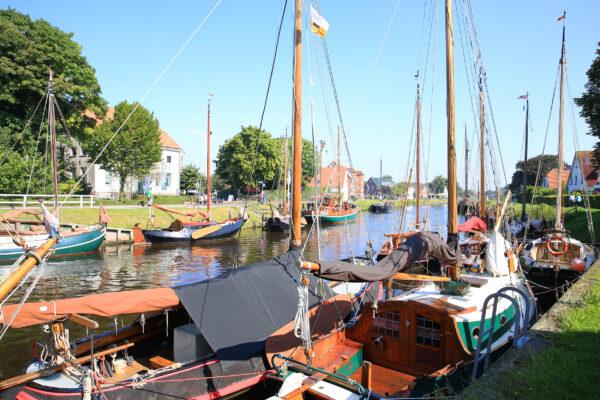 Deutschland Carolinensiel Hafen