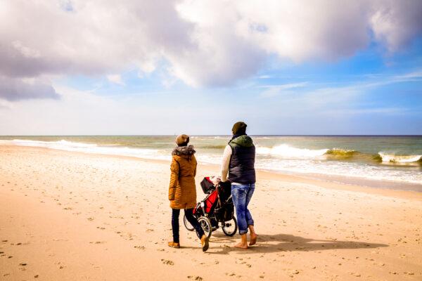 Deutschland Sylt Strand Familie
