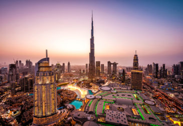 Dubai erleben: 7 Tage im 4* Hotel inkl. Frühstück, Emirates-Flug, Transfer & Zug für 399€
