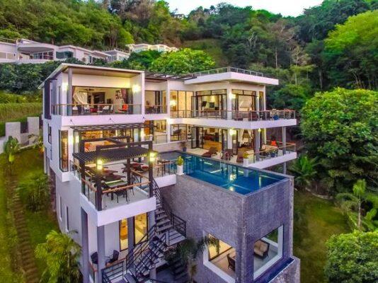 Grand Villa Luxury Aussen