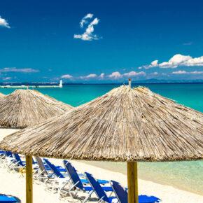 Griechenland Kracher: 7 Tage in Chalkidiki im 3,5* Hotel mit All Inclusive, Flug, Transfer & Zug für 348€