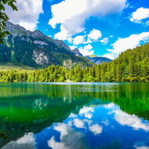 Kurztrip zum Pragser Wildsee: 3 Tage in Südtirol im TOP 3* Hotel inkl. Halbpension für 159€