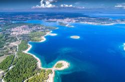 Mit dem Segelboot die Küste Kroatiens entdecken: 8 Tage mit Halbpension ab 369€