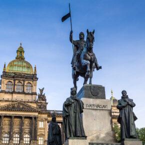 Tschechien Prag Nationalmuseum Statue