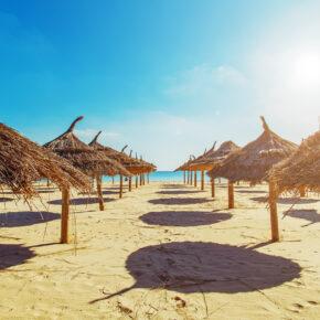 Tunesien im Sommer: 7 Tage im 4* Hotel am Strand mit All Inc, Flug, Transfer & Zug nur 275€