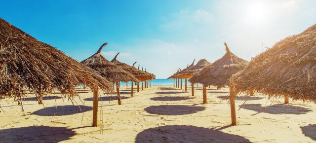 Tunesien Stroh Schirme Strand