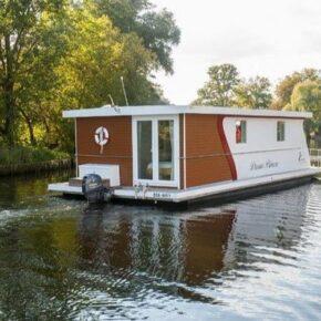 Abenteuer auf dem Wasser: 3 Tage auf voll ausgestattetem Hausboot inkl. Endreinigung für 98€