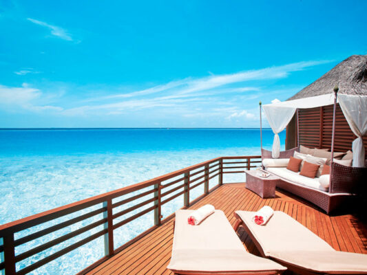 Baros Maldives Terrasse