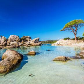 Inselurlaub auf Korsika: 7 Tage im tollen 3* Hotel am Strand inkl. Flug & Zug nur 228€