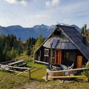 Hütte Slowenien von außen