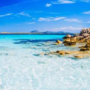 Mega-Deal: 8 Tage auf Sardinien mit eigenem Apartment in Strandnähe & Flug nur 67€