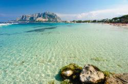 Sommer: 8 Tage Sizilien mit Unterkunft, Meerblick & Flug nur 99€