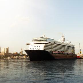 Kreuzfahrt Schiff Hamburg Hafen