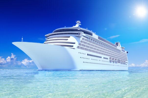 Kreuzfahrt Schiff Wasser blau