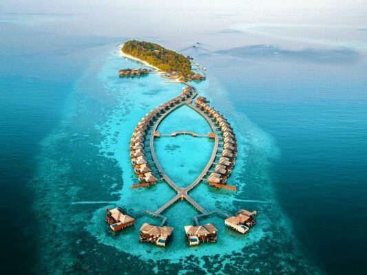lily-beach-resort-Lily Beach Resort Wasservilla