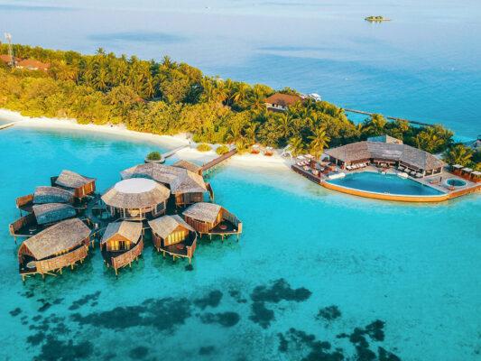 lily-beach-resort-Lily Beach Resort Wasservillen