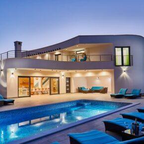 Purer Luxus in Kroatien: 8 Tage in neu gebauter Designer-Villa mit Pool & Extras nur 283€ p.P.