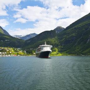 Norwegen Geiranger Fjord Kreufahrt Schiff