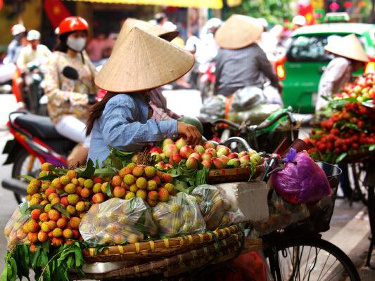 Vietnam Hanoi Straßenverkäufer