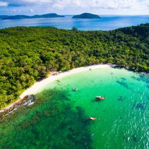 Die schönsten Inseln in Vietnam: Regenwälder, einsame Buchten & Strände