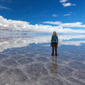 Bolivien Salzwüste Frau