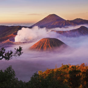 Indonesien Java Mount Bromo Nebel