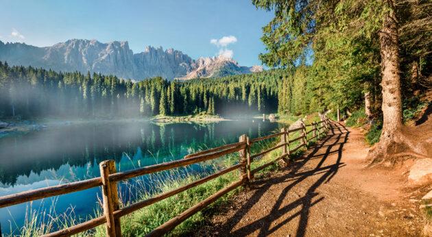 Italien Südtirol Karersee Weg