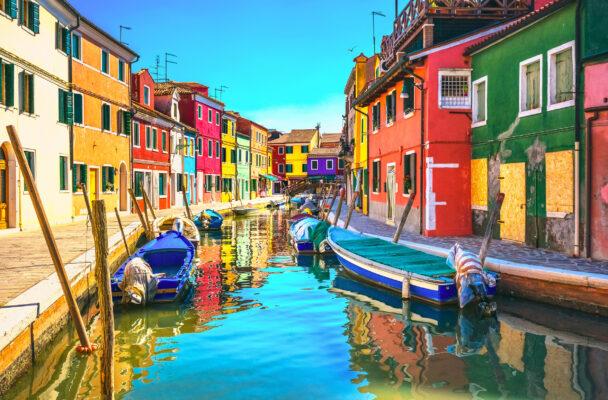 Italien Venedig Burano Island Canal bunt