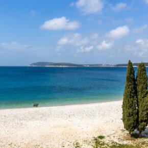 Kroatien Pula Ambrela Beach
