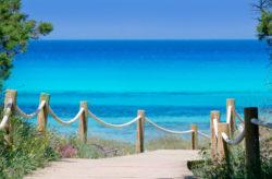 Ibiza: 8 Tage auf der Hippie-Insel mit Unterkunft & Flug nur 125€