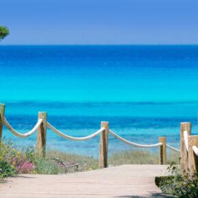 Ibiza Kurztrip: 4 Tage auf der Hippie-Insel mit Unterkunft & Flug nur 86€