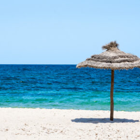 Tunesien im Sommer: 7 Tage im 5* TOP Hotel am Strand mit All Inclusive, Flug, Transfer & Zug nur 557€