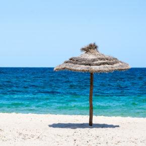 Tunesien: 14 Tage im TOP 4.5* Strandhotel mit Halbpension, Flug, Transfer & Zug nur 390€