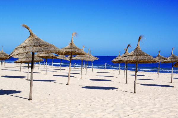 Tunesien Sousse Strand Schatten