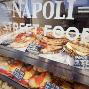 Langes Wochenende im pulsierenden Neapel: 4 Tage mit Unterkunft & Flug nur 76€