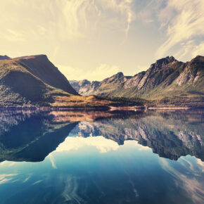 Norwegen Landschaft Berge See Spiegel