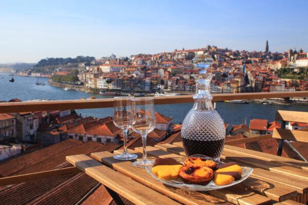 Portugal Porto Wein Gebaeck Aussicht