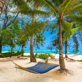 Frühbucher 2021: 15 Tage Sansibar mit Hotel in Strandnähe inkl. Frühstück & Flug nur 458€